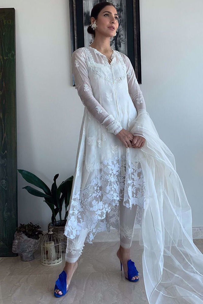 Picture of Thank you Kiran Malik for making something so delicate and intricate, look so beautiful