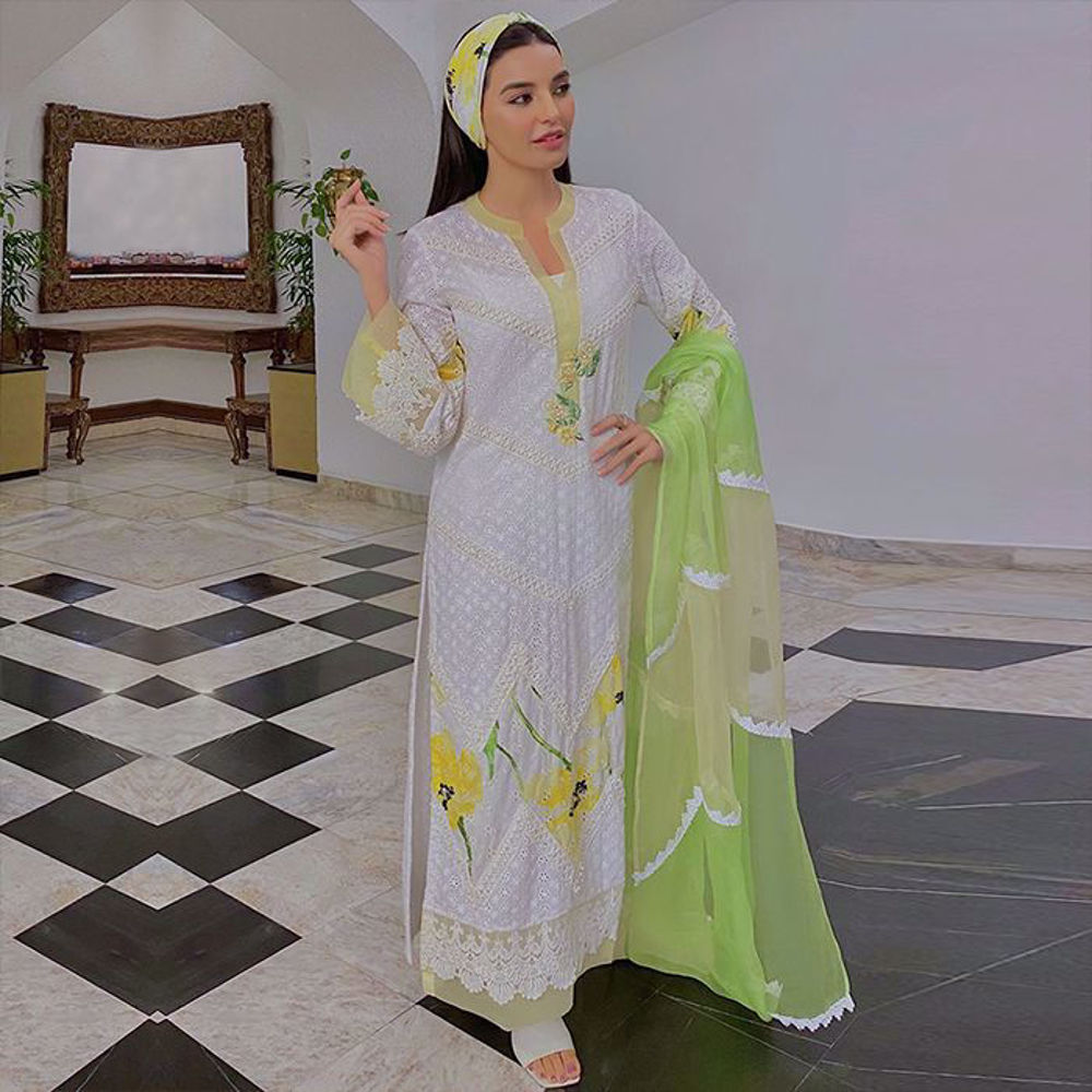 Picture of Sadia Khan looks elegant in our dreamy white ensemble Afroze
